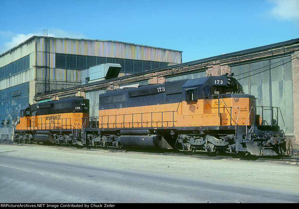 MILW SD40-2 173