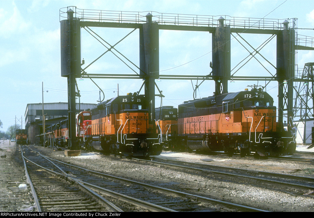 MILW SD40-2 25