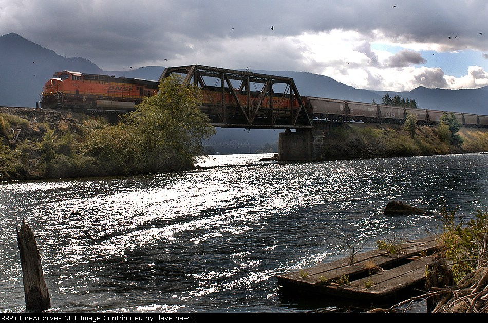 Columbia river eastbound freight