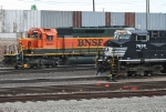 BNSF 6911 and NS 7688 side by side