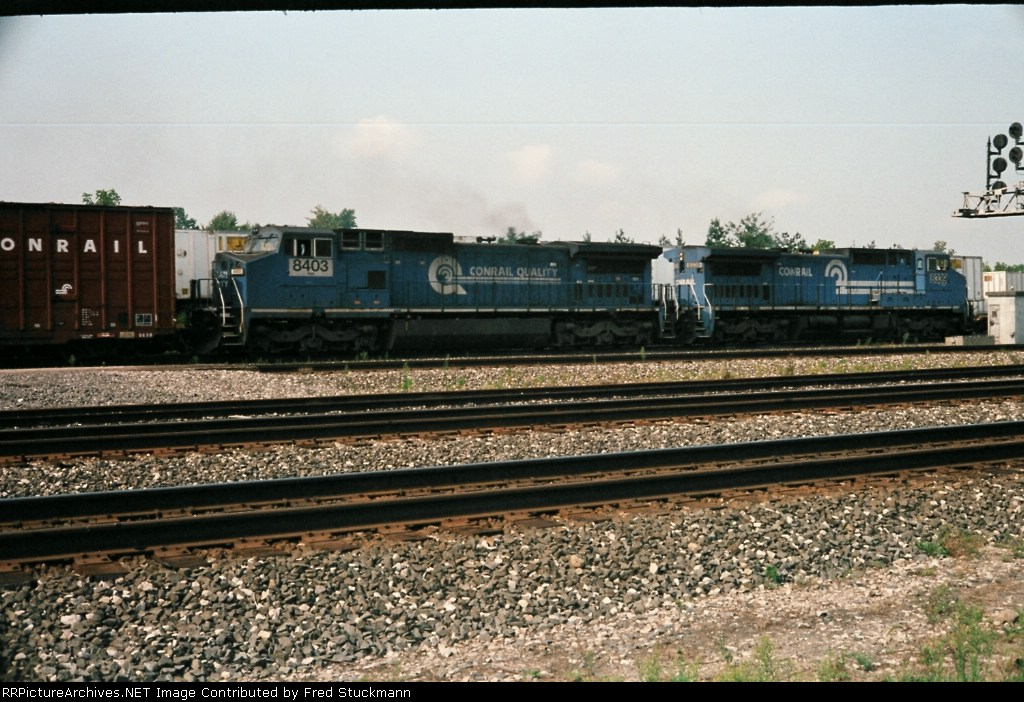 Coming east into Berea, NS 8339, former CR 6094, is in the lead. The trailing unit is former CR 6202.