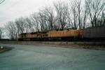 EMD-GE mix eastbound coal.