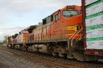 BNSF 5266 trailing