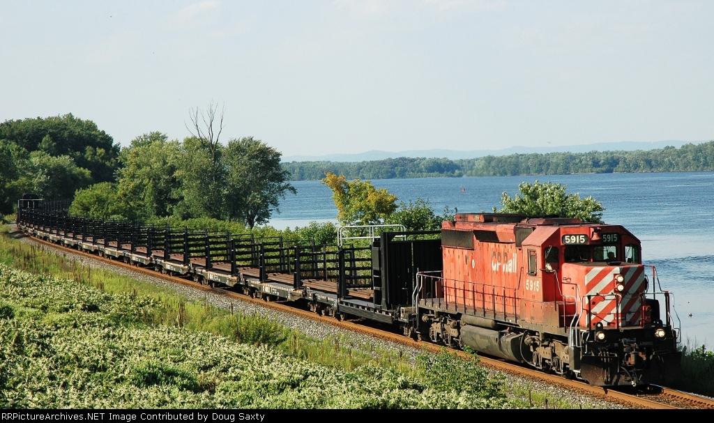 CP 5915   CP Rail Train