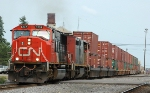CN 5737  Departing the Yard