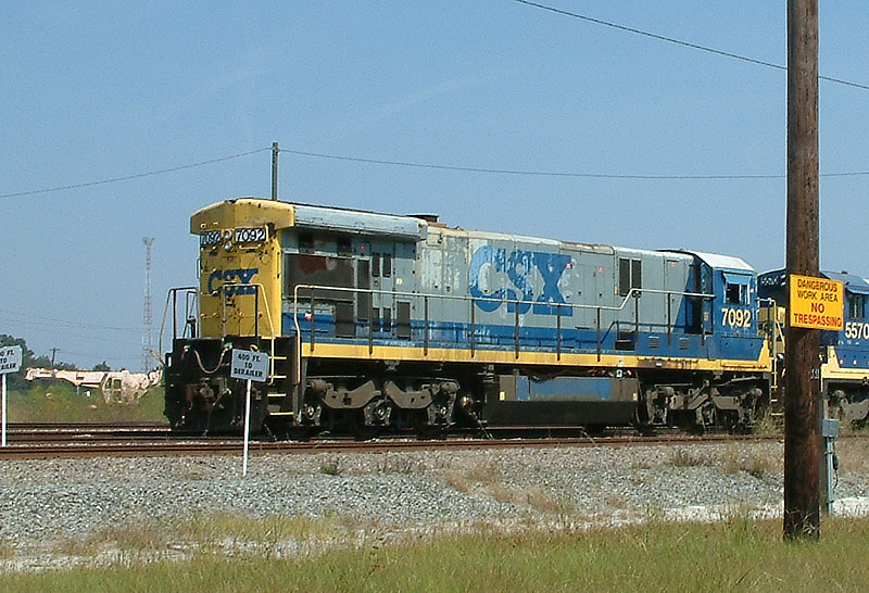 CSX 7092 in the dead line