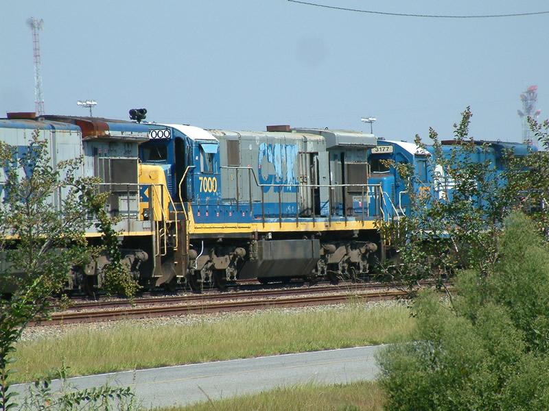 CSX 7000 class unit