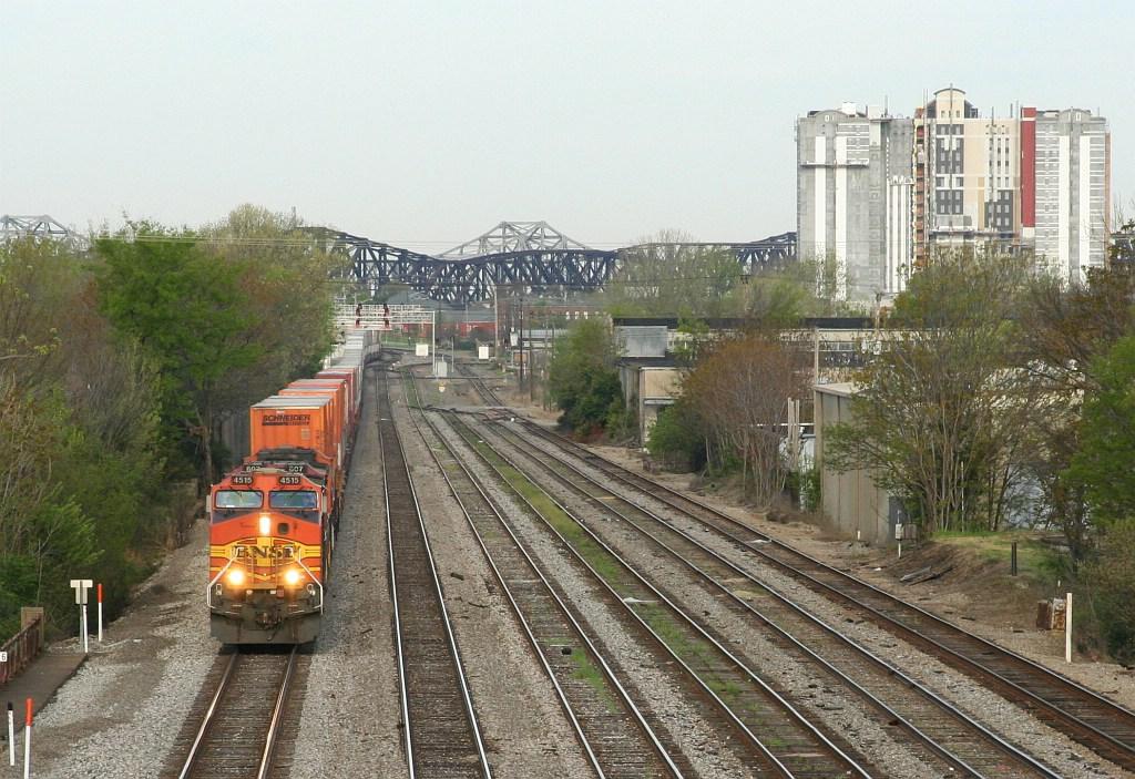 BNSF EB intermodal