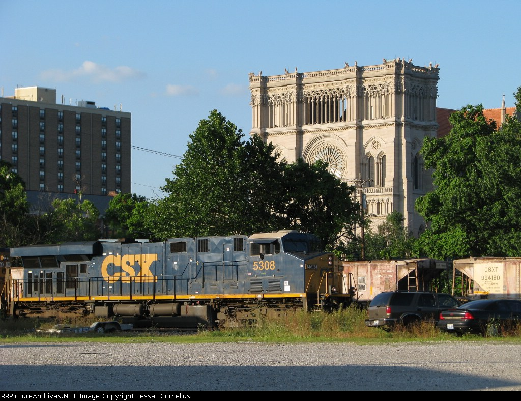 CSX 5308 and St. Mary's Cathedral Basilica of the Assumption