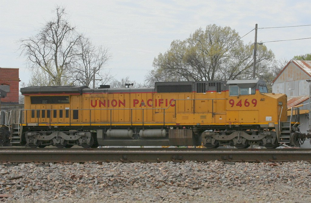 UP 9469 on UP local?