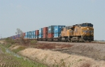 UP EB intermodal