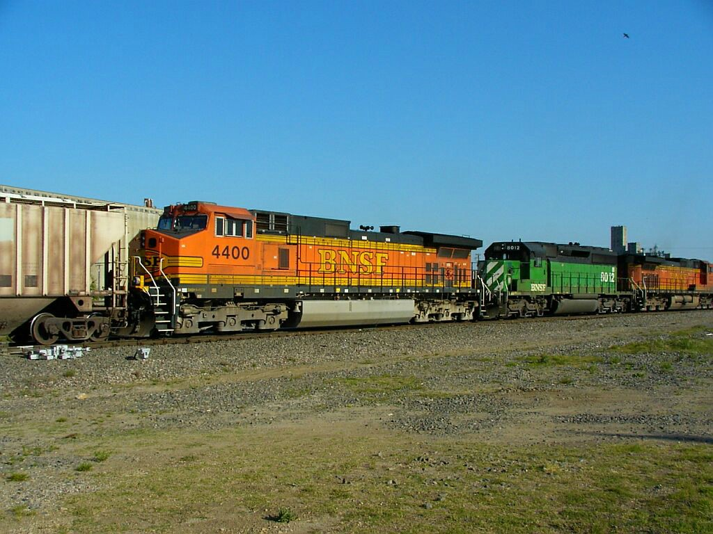 BNSF 4400