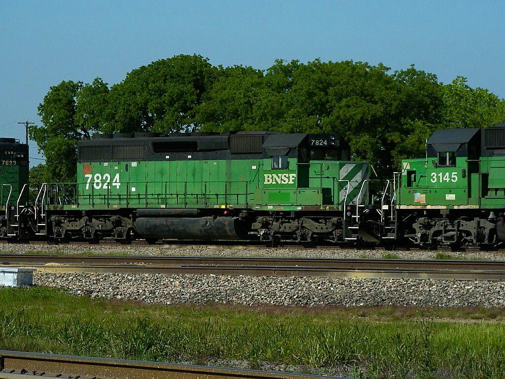 BNSF 7824
