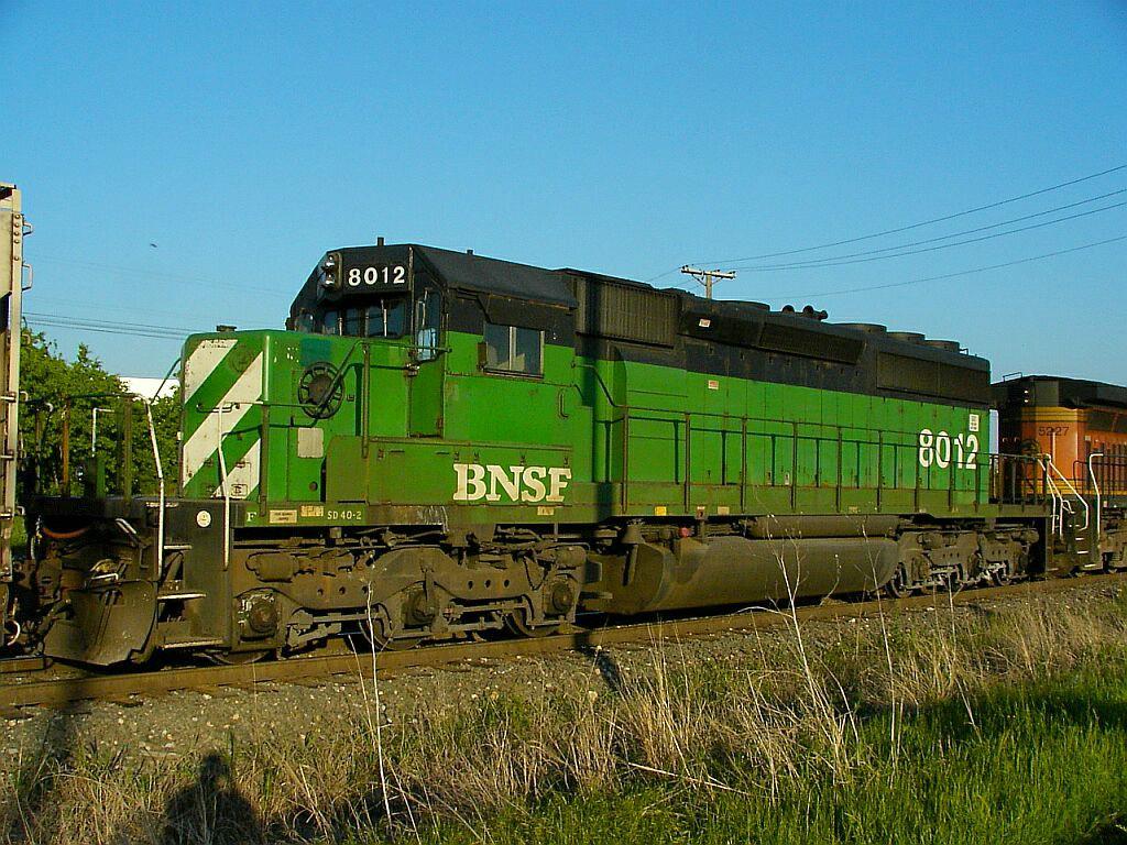 BNSF 8012