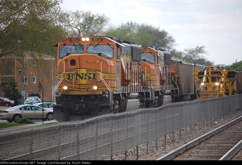 BNSF 9854 & 9880