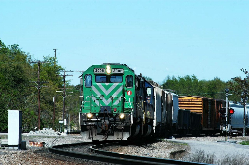 leased power leads train out of hamlet