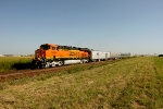 BNSF 7483 leads the EAS