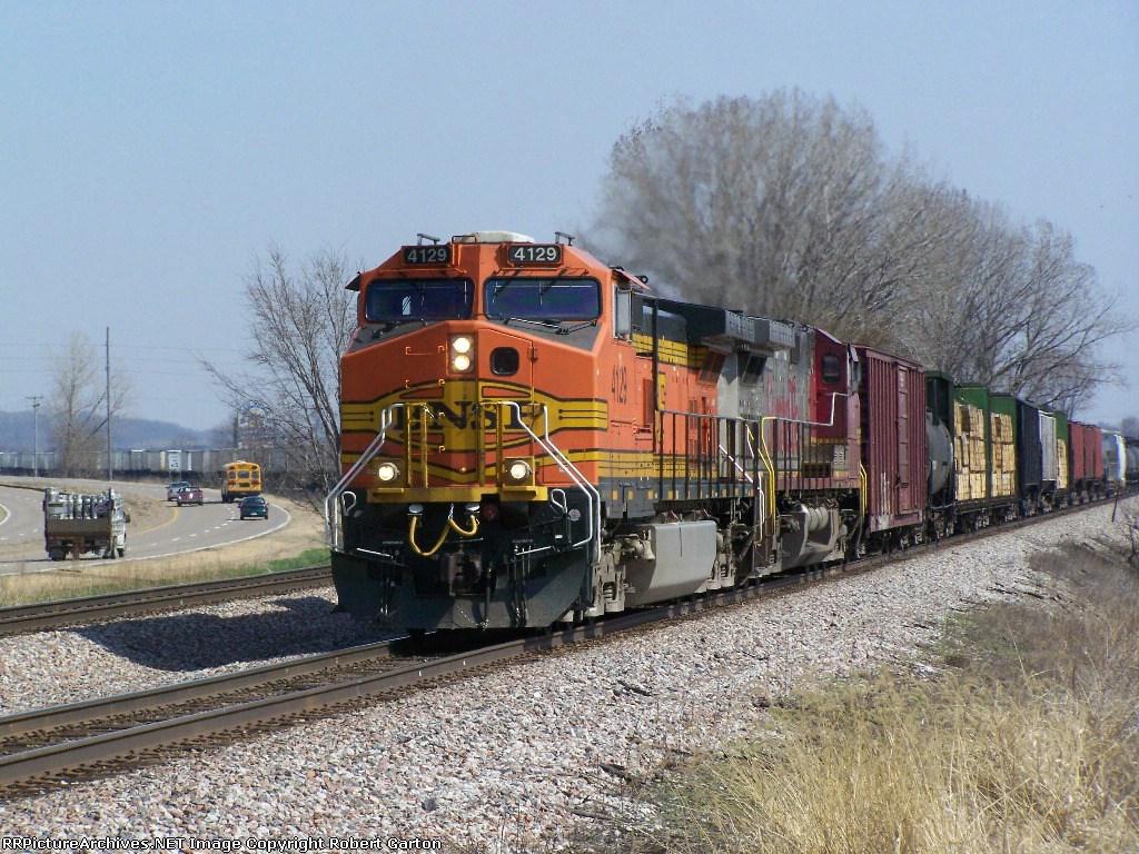 BNSF 4129 Leads a Manifest Train to La Crosse, WI