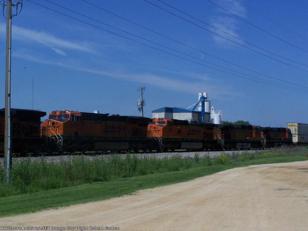 The Trailing Four Motors of a Six-Locomotive Lashup