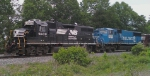 NS 5609 and Conrail 6800 pulling Geometry train