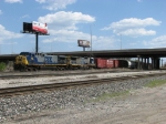 CSX 141 & 7577 pull out of Barr Yard as they take Q588 to the CP