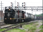 IC 3107 & CN 9590 thread through the crossovers with G44
