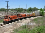 IHB 1516 & 1524 leads autoracks around the Southeast Transfer