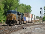 CSX 5399 & 5473 roll into the Riverdale interlocking with Q159