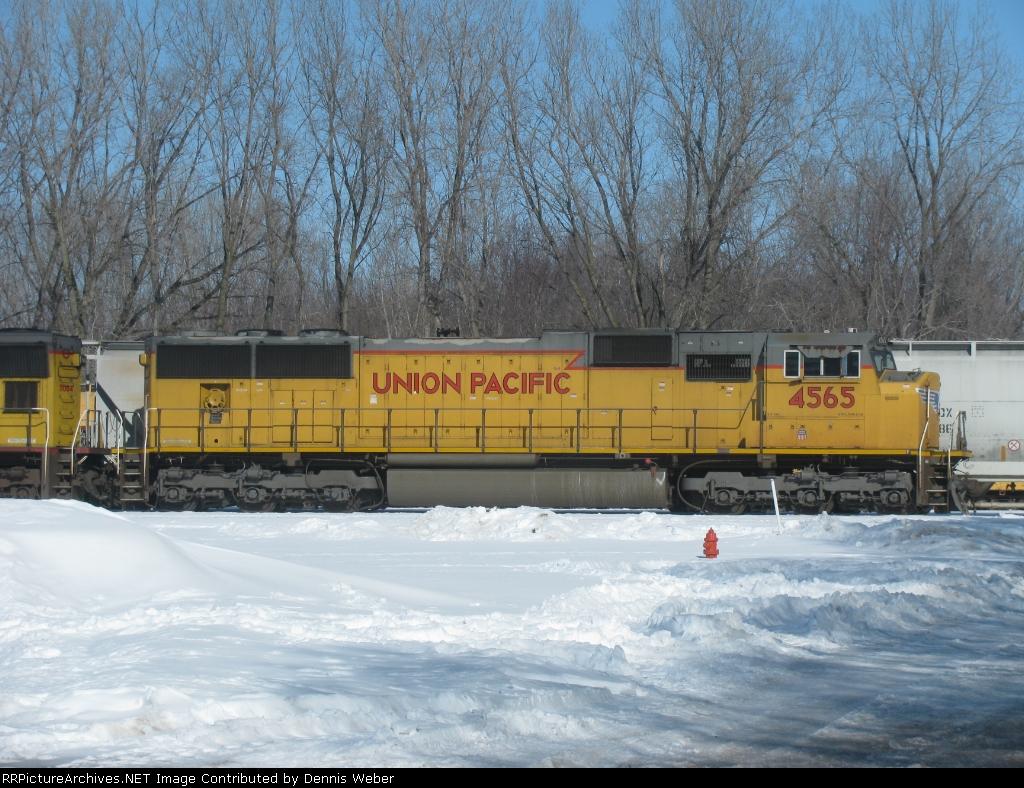 UP 4565,  UP's  Winona  Yard.