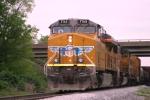 Union Pacific 7763 leading CSX Q275 south 5/4/09