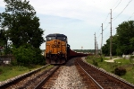 CSX 5212 leads WO70 with a string of ballast cars sitting on the SE Morgantown siding 5/10/09