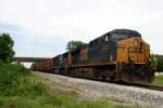 CSX 5212 leads Ballast Train WO70 south at Memphis Jct. 5/10/09