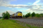 "CSX 1 ""Spirit of West Virginia"" leads Q573 south 6:27pm 5/22/09"