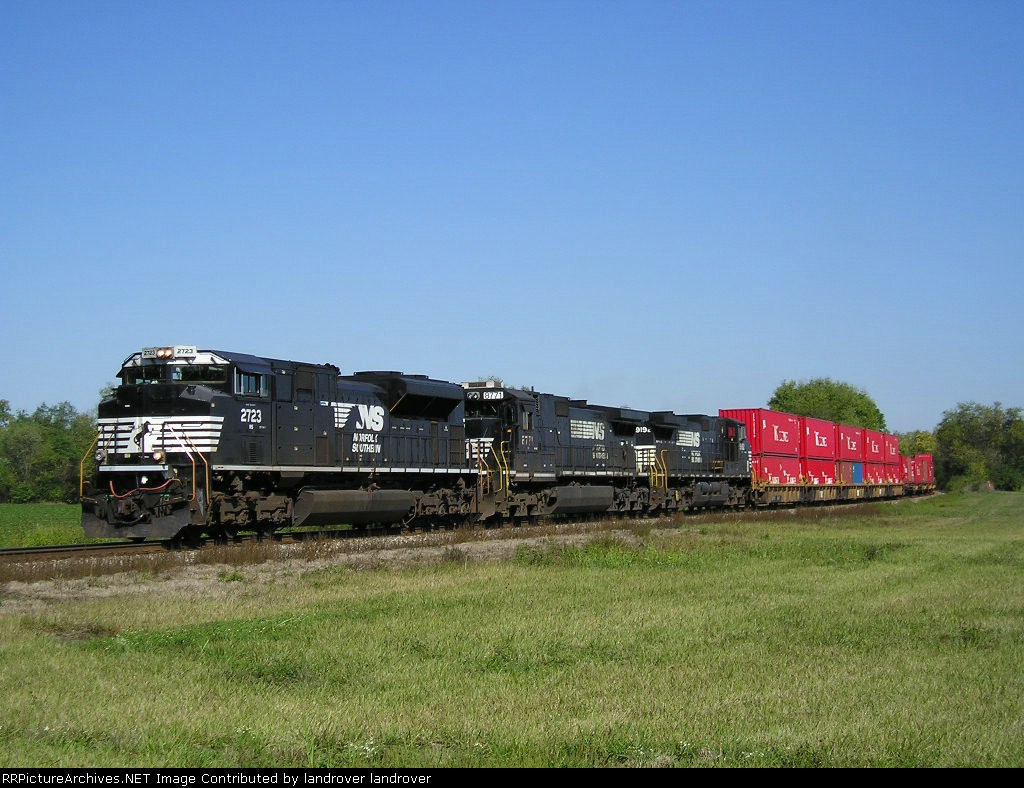 NS 2723 On NS 235 Eastbound