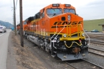 BNSF 6611/6613/6612 along Hwy 30 west on the siding.