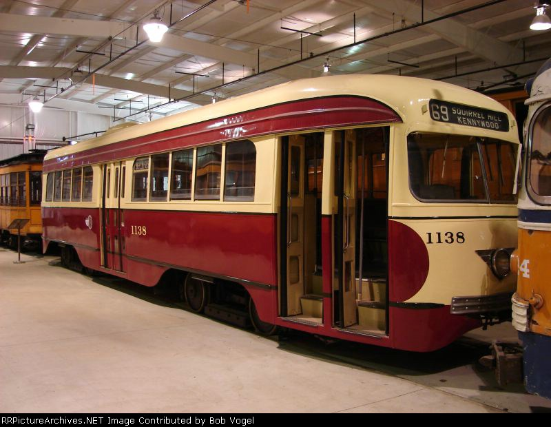 Pittsburgh Railways PCC 1138