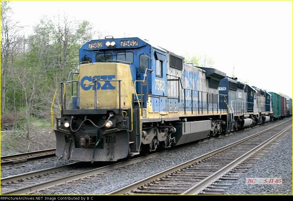 CSX 7562   05/11/2005