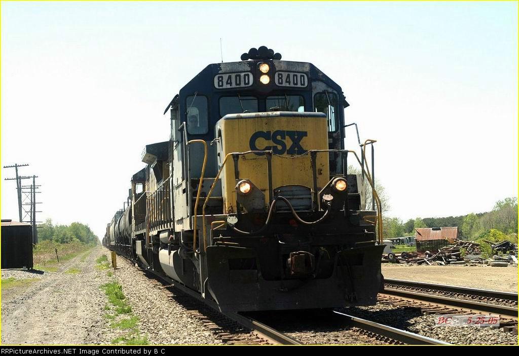 CSX 8400  05/25/2005