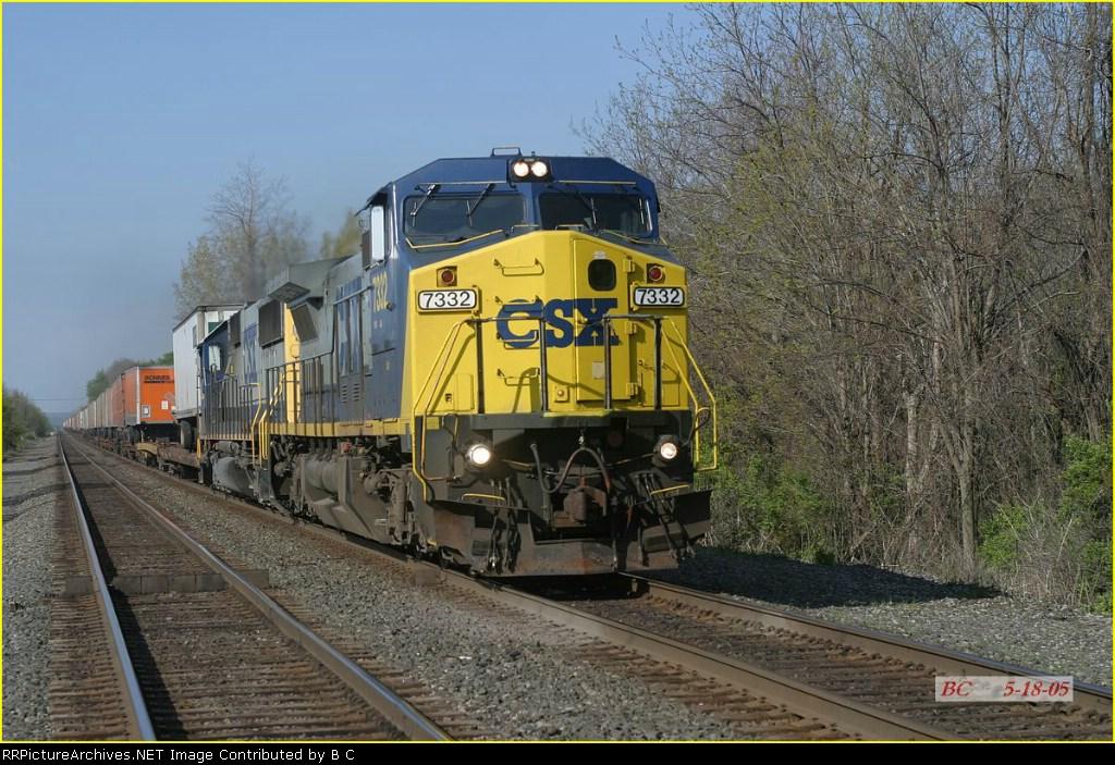 CSX 7332  05/18/2005