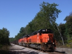 BLE 900 leads southbound ore