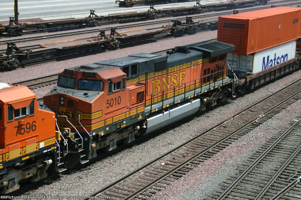 BNSF 5010