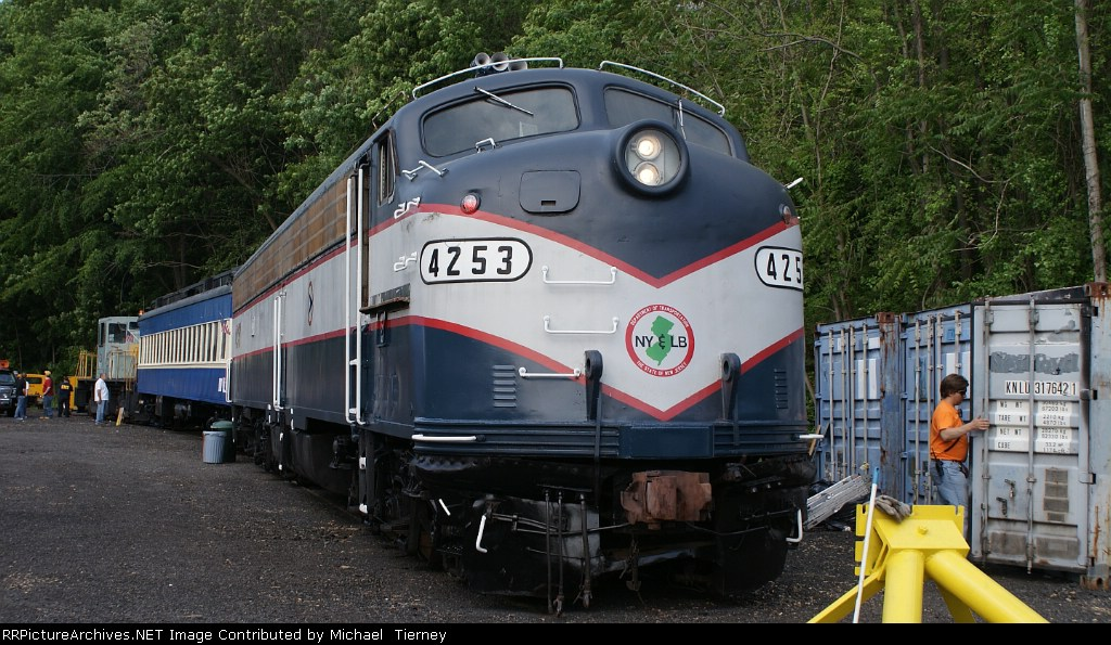 Njdot E8 4253 Has A New Life At The Urhs Yard In Boonton