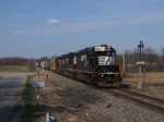 NS 3027 leads westbound pass the old 124 signal