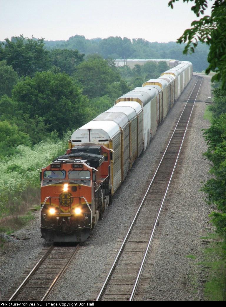 BNSF 1094 leads autoracks westward