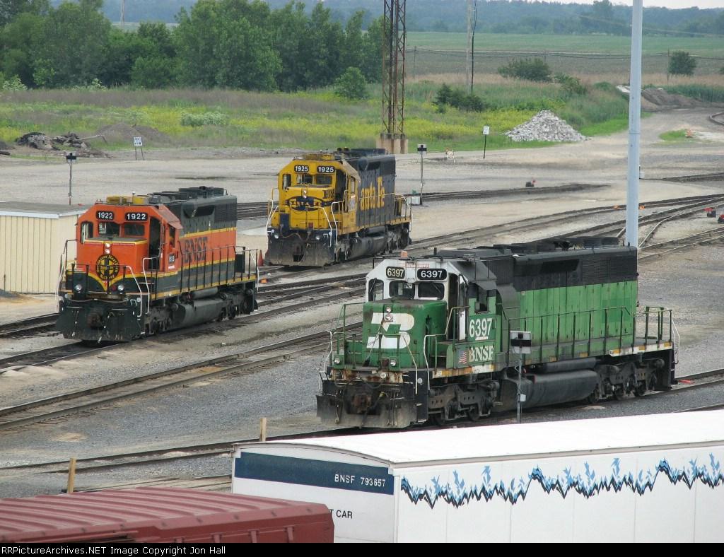 BNSF 1922, 1925 & 6397