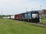 BNSF's R-CHI427 heads up the IC&E with two EMDX motors leading