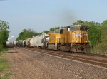 UP 4336 & 7402 accelerate west with MPRDM