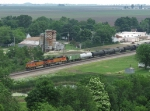 BNSF 4411 & 5192 head west with a general freight