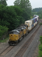 UP 8170 leads ICIBP10 east on BNSF trackage rights