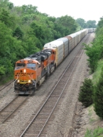 BNSF 7256 & 7221 race east with autoracks